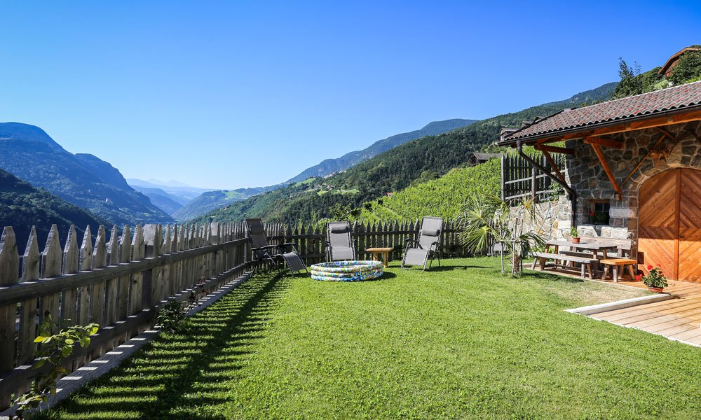 Farm holidays in South Tyrol – Feel good at the farm Aichnerhof!